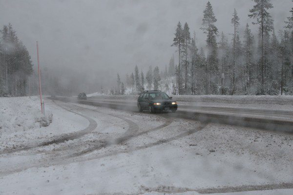 Winter weather presents challenges to drivers. Make sure you have a winter survival kit in your car!