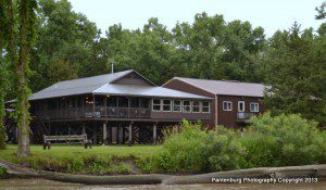 Lost Island Lodge is located near Schulyer, NE on the Platte River.