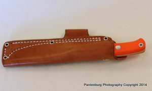 The Liten Bror comes with a Sharpshooter leather sheath, which secures the knife very effectively