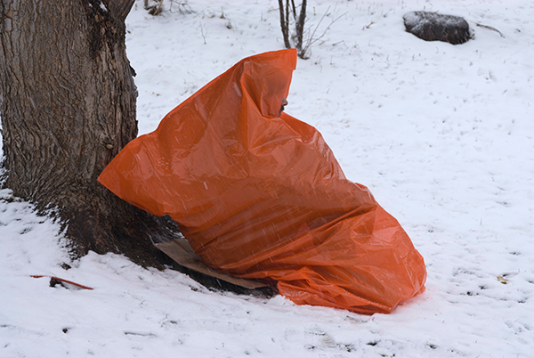 Include an insulated pad for sitting upon, because the plastic bag doesn't have any insulation. (Photo copyright 2013 Peter Kummerfeldt)