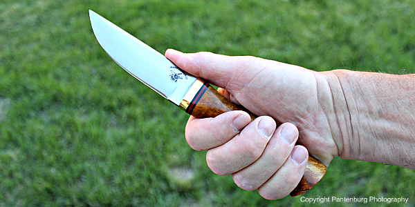 choose best knife handle, how to choose a hunting knife, best survival knife