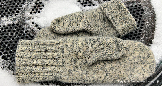 wool mittens, wool, wool clothing