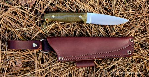 The Rogue River comes with a sturdy leather dangler sheath.