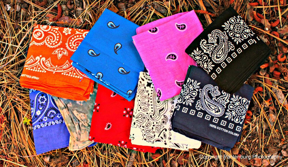Bandanas come in any color and design.