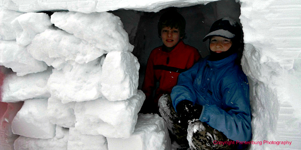 scouts in snow cave, build snow cave, winter survival, tools for snow cave building