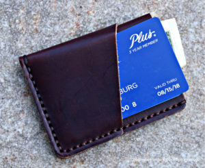 review-popov-leather-card-carrier